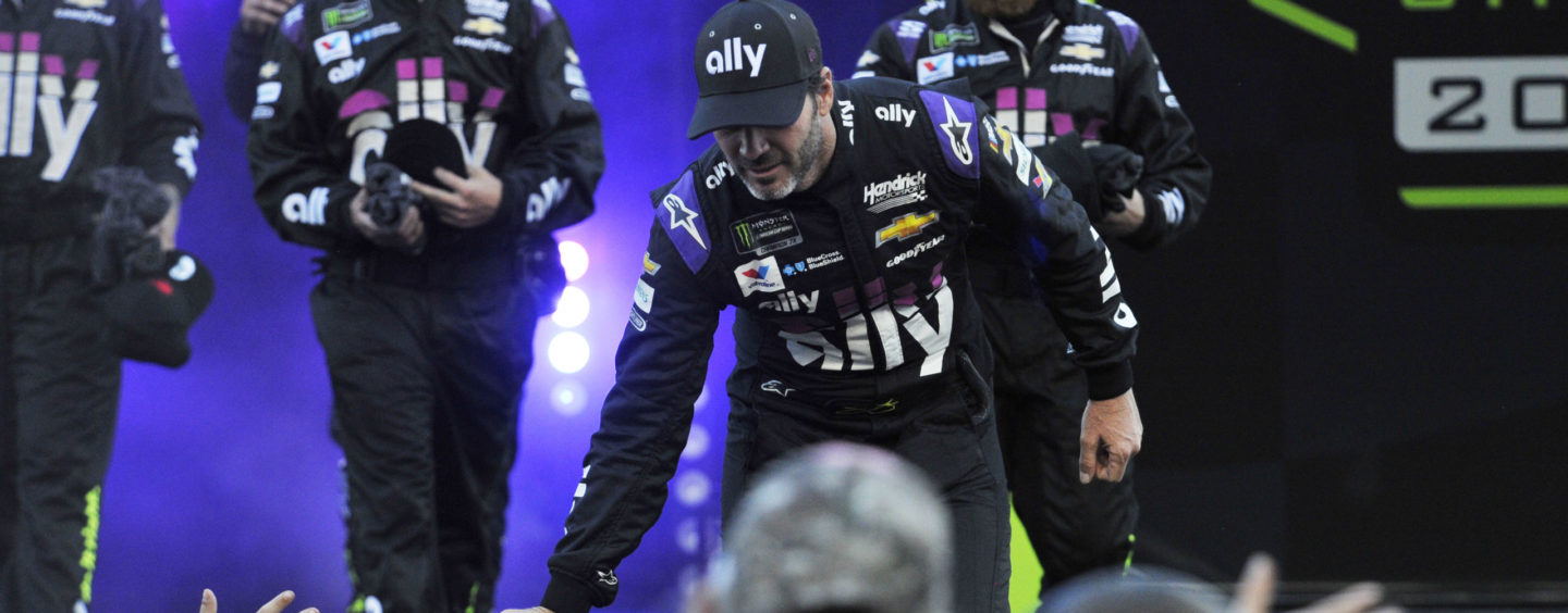 Jimmie Johnson Cleared For NASCAR Return