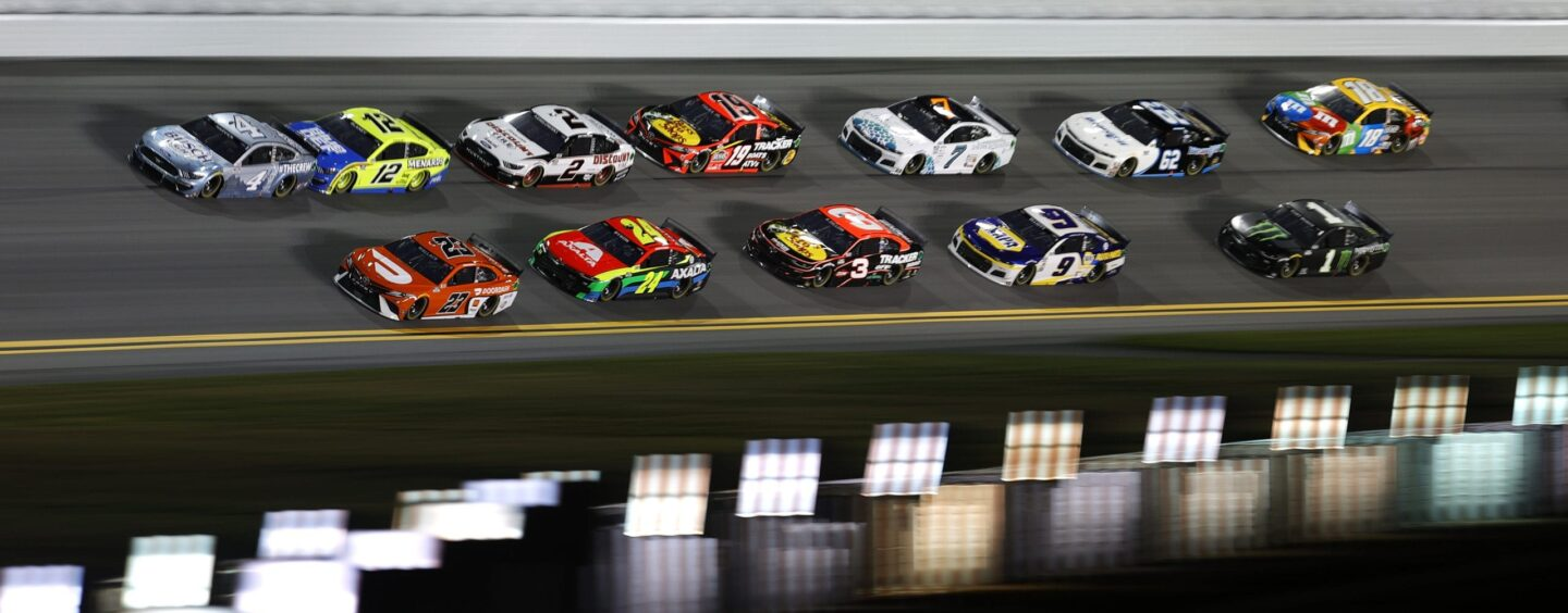 Almirola, Dillon Win Bluegreen Vacations Duels; Daytona 500 Front Row Adjusted
